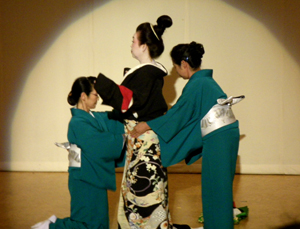 kimono.show01.jpg